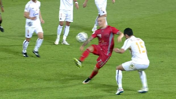 AFC CL: Weiss krönt Traumsolo per Außenrist