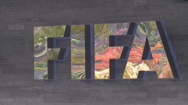 FIFA: Van Praag und Figo ziehen zurück