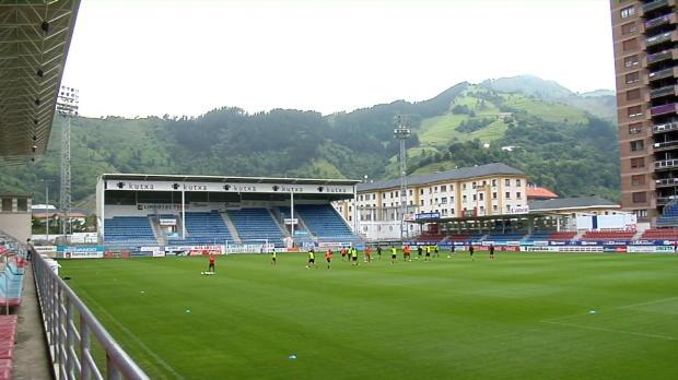 La petite ville basque de 27 000 habitants va connaitre ses grands débuts en Liga. A l'image de Luzenac en France, leur accession dans l'élite n'a pas été automatique.