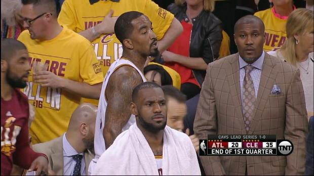Basket : NBA - Play-offs - Les Cavs écrasent les Hawks, record de paniers à 3 points