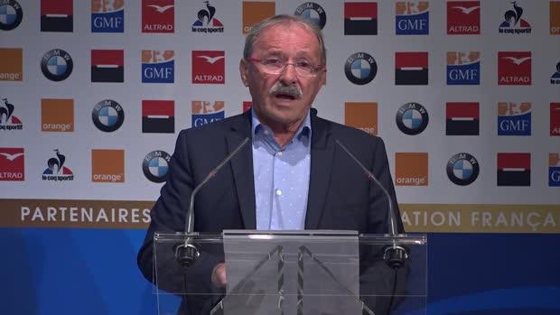 Rugby : XV de France - Machenaud plutôt que Parra - Brunel donne ses raisons