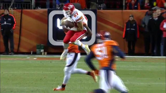 Smith hits Kelce for 21 yards