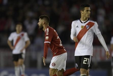 Rafael Sobis contra o River Plate