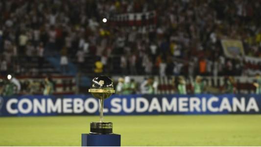 AFP Junior Barranquilla Atletico Paranaense Copa CONMEBOL Sudamericana 05122018 Trophy