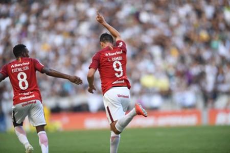 Internacional - Leandro Damião