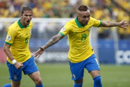 Everton e Filipe Luís na Seleção