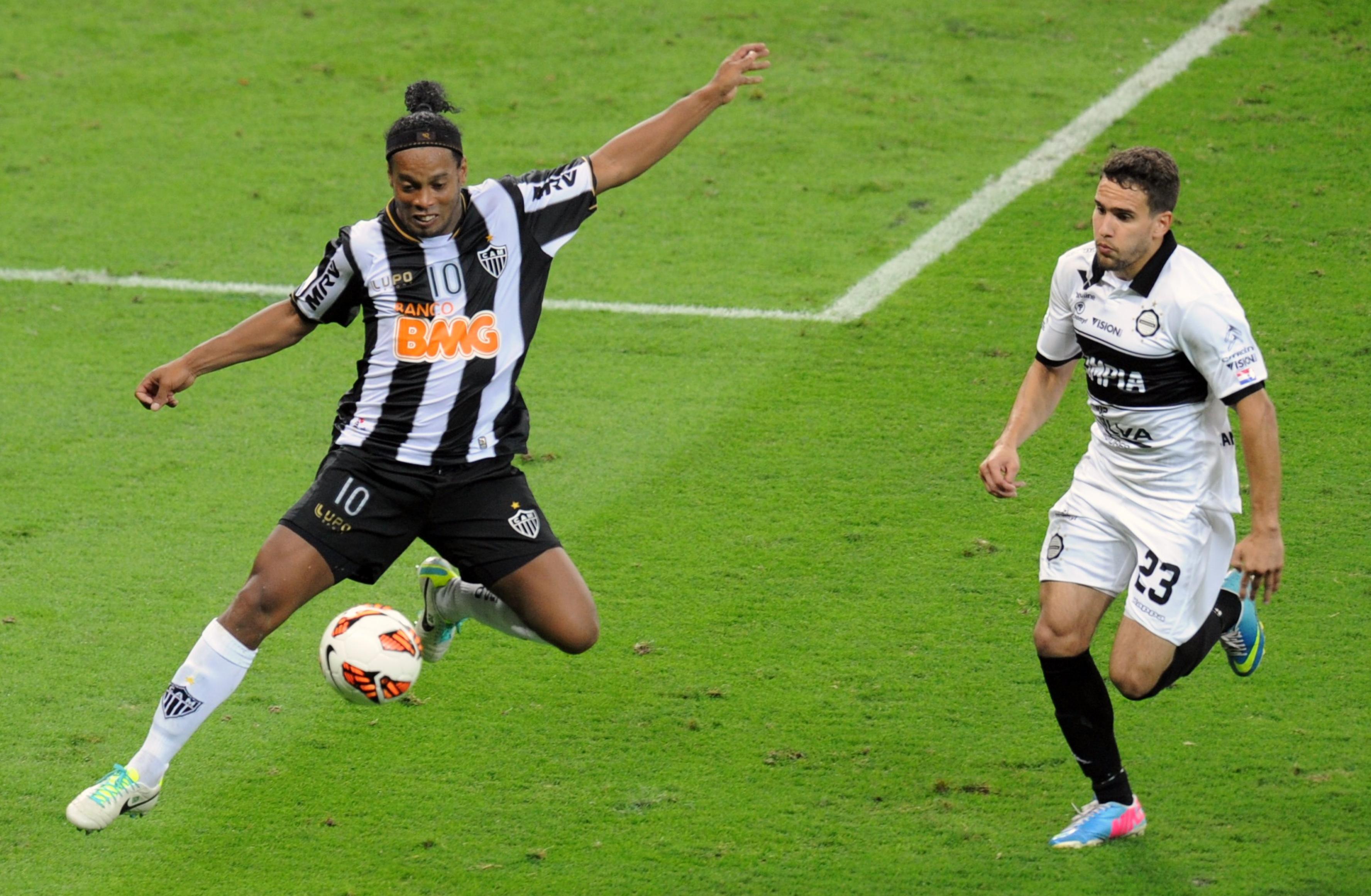 Atlético-MG Olimpia Copa Libertadores 2013 Ronaldinho Gaúcho Jorge Baez