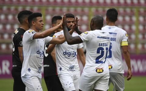 Comemoração do gol do Cruzeiro contra Lara
