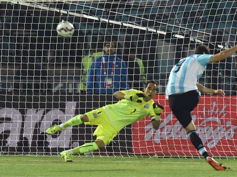 Gonzalo Higuaín, otra vez el apuntado en la final
