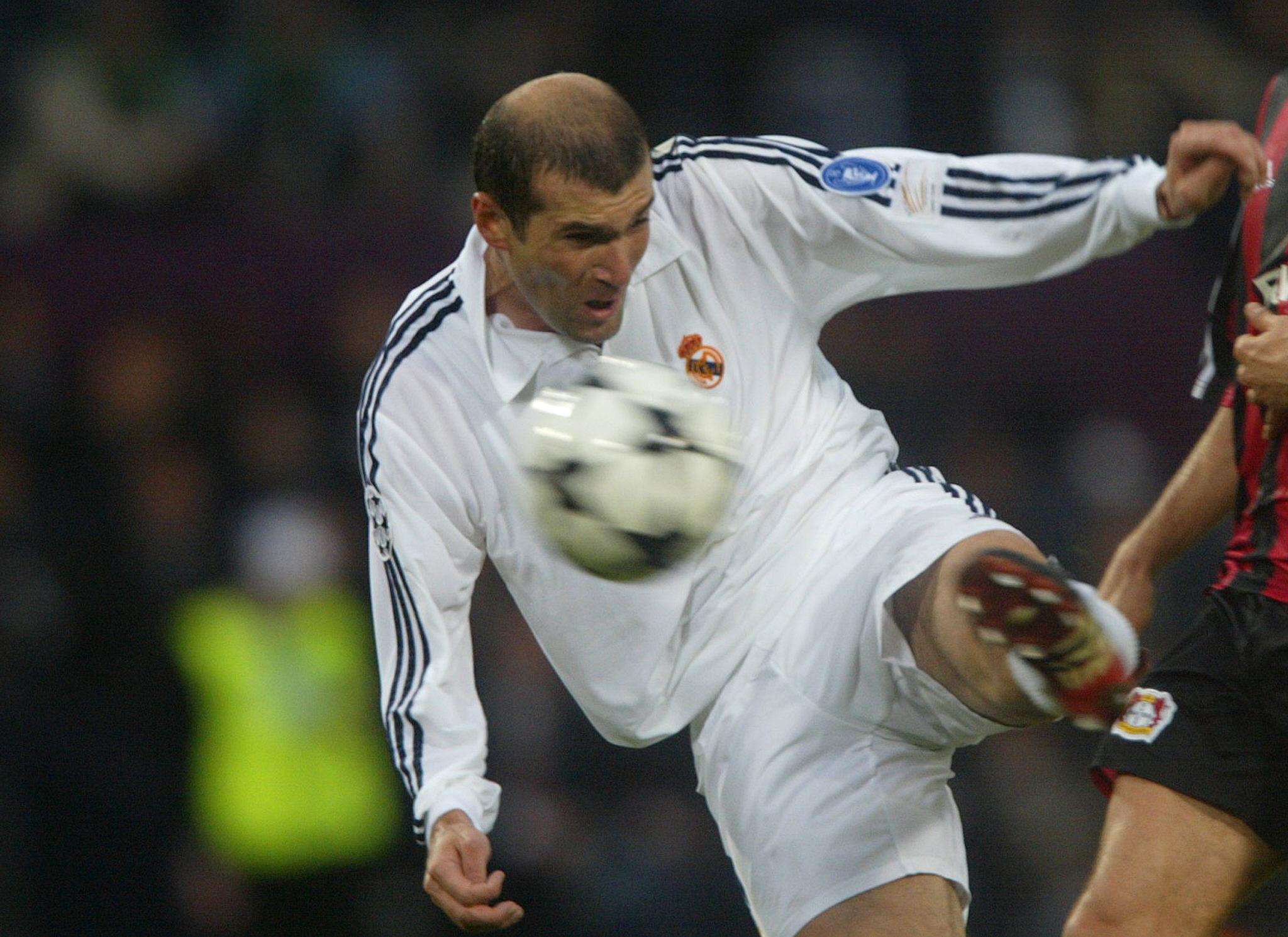 Zinedine Zidane Real Madrid Champions League 2001-2002