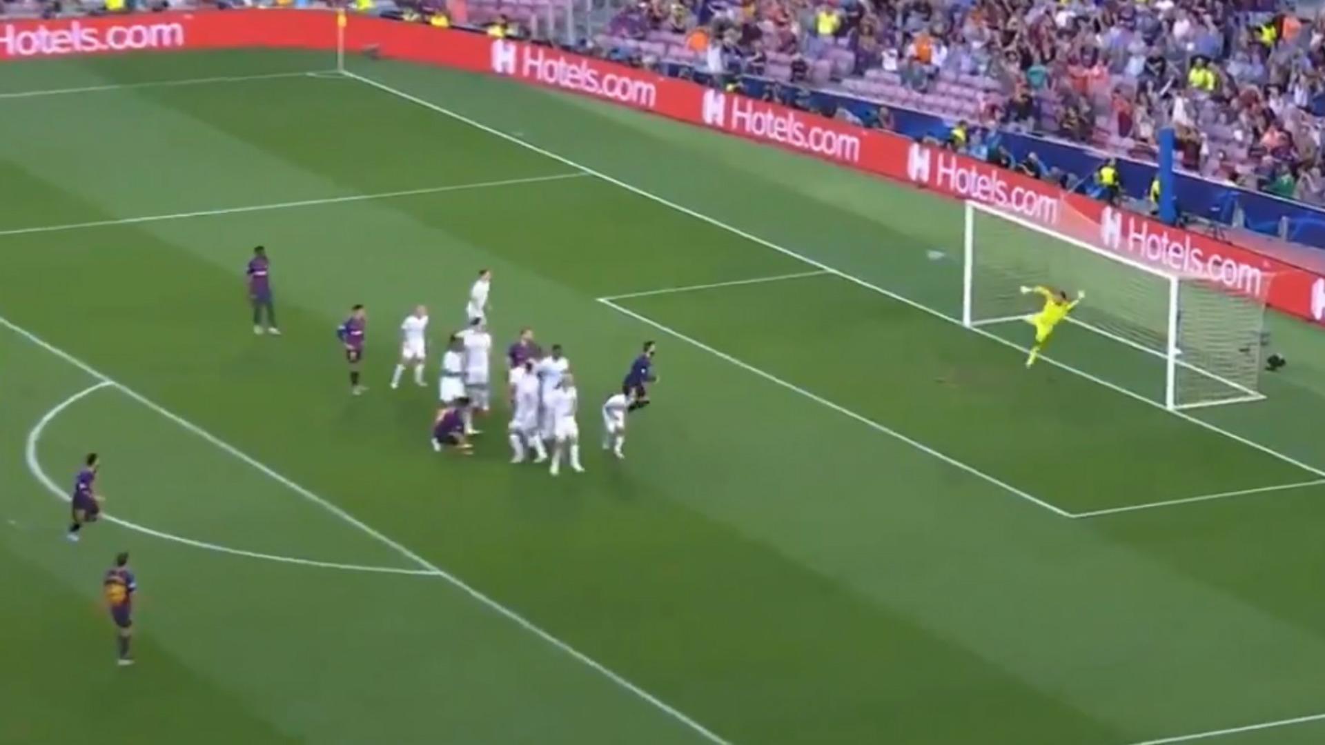 captura gol Messi tiro libre psv