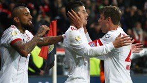 Thomas Muller James Rodriguez Arturo Vidal Bayern Munchen