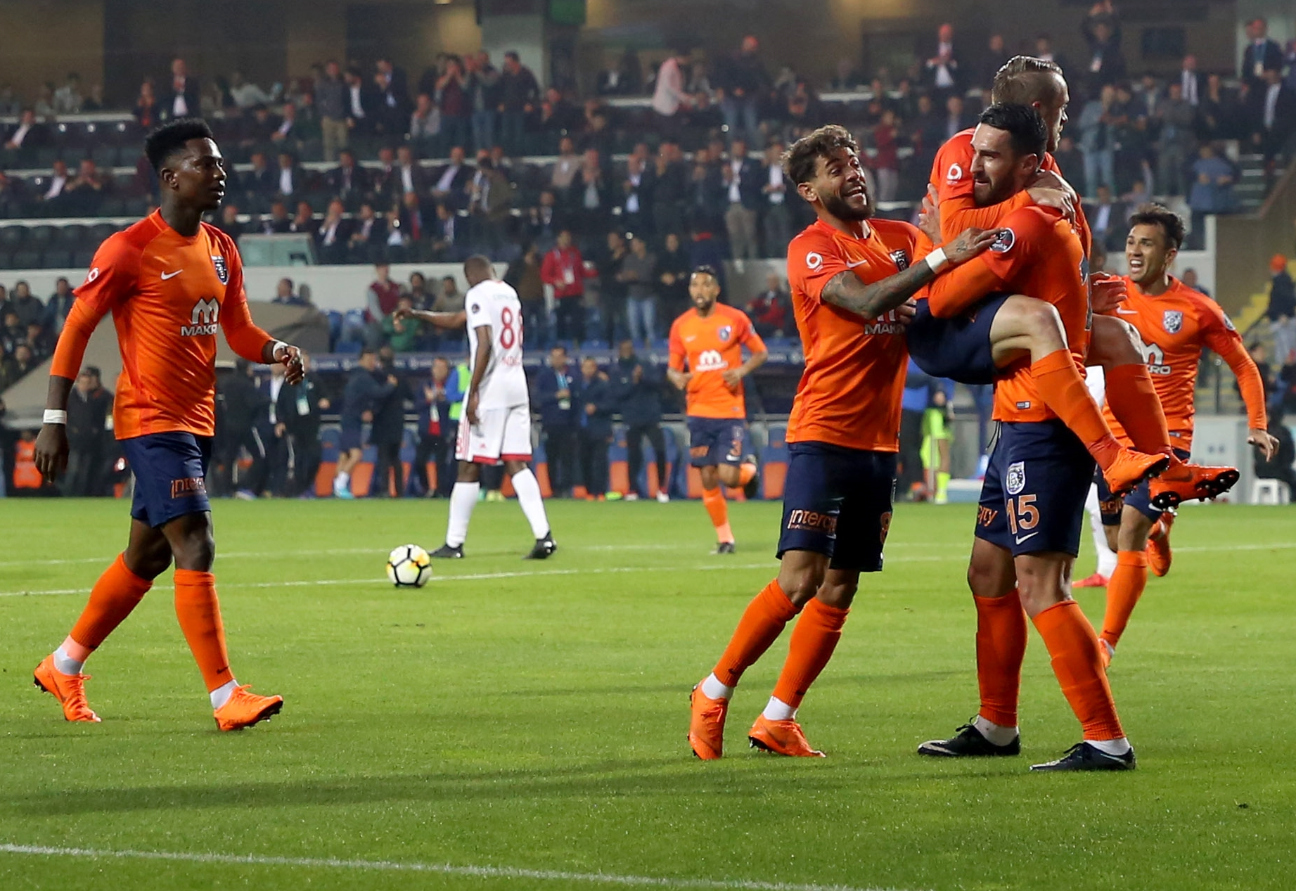 Rijad Bajic Basaksehir Sivasspor 05/04/18