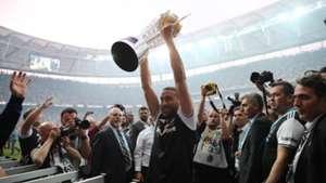 Cenk Tosun Besiktas champions celebration