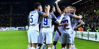 Inter players celebrating Cagliari Inter Serie A