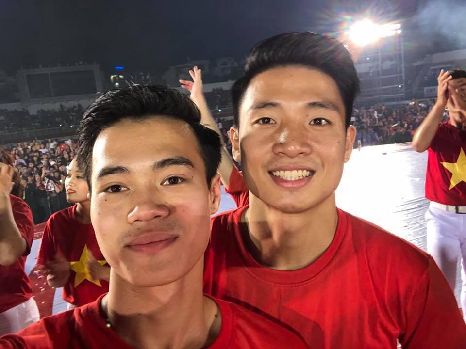 U23 Việt Nam giao lưu NHM Sài Gòn