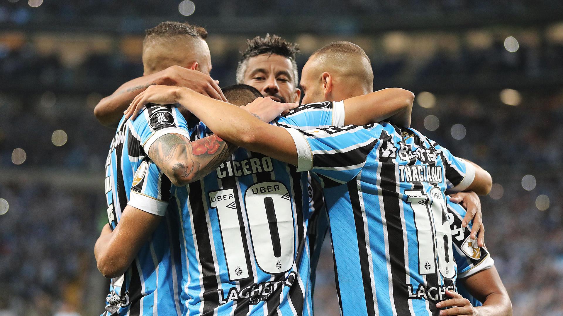 Léo Moura Cícero Grêmio Atlético Tucumán Copa Libertadores 02102018