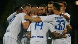 Nainggolan Perisic Frosinone Inter celabrating Serie A