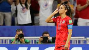 Alex Morgan English USWNT
