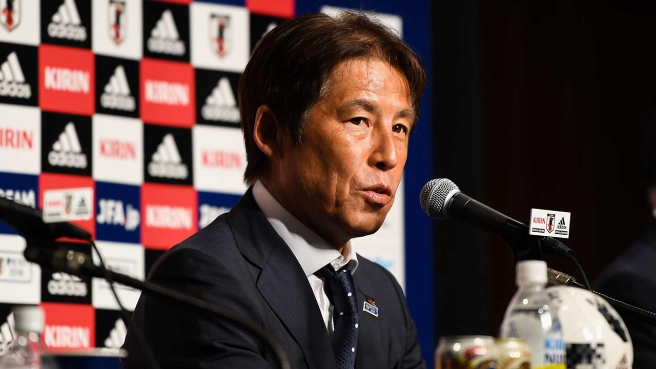 Image result for แฟนญี่ปุ่นแห่รับแข้งฮีโร่กลับบ้าน, นิชิโนะไม่ทำทีมต่อ