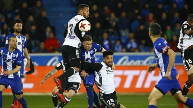 Valencia eliminó a Alavés de Guillermo Maripán en la Copa del Rey