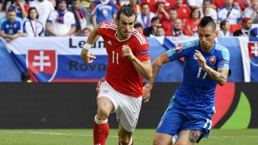 Gareth Bale Marek Hamsik Wales Slovakia 11062016