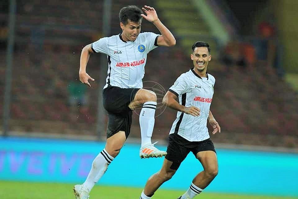 Muslim Ahmad, Matthew Davies, Pahang, Malaysia Cup, 11082018