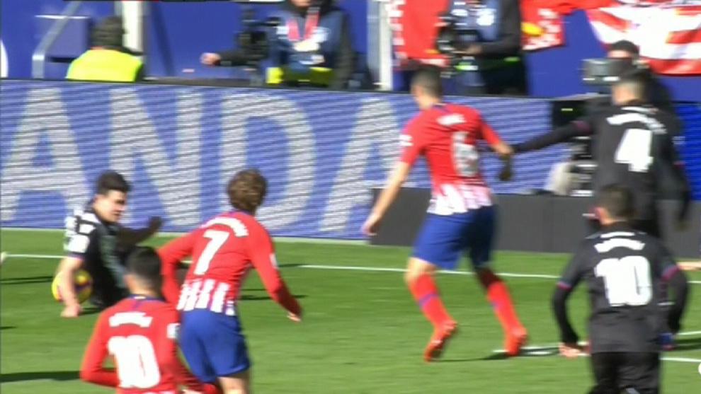 Mano Atletico Madrid Levante