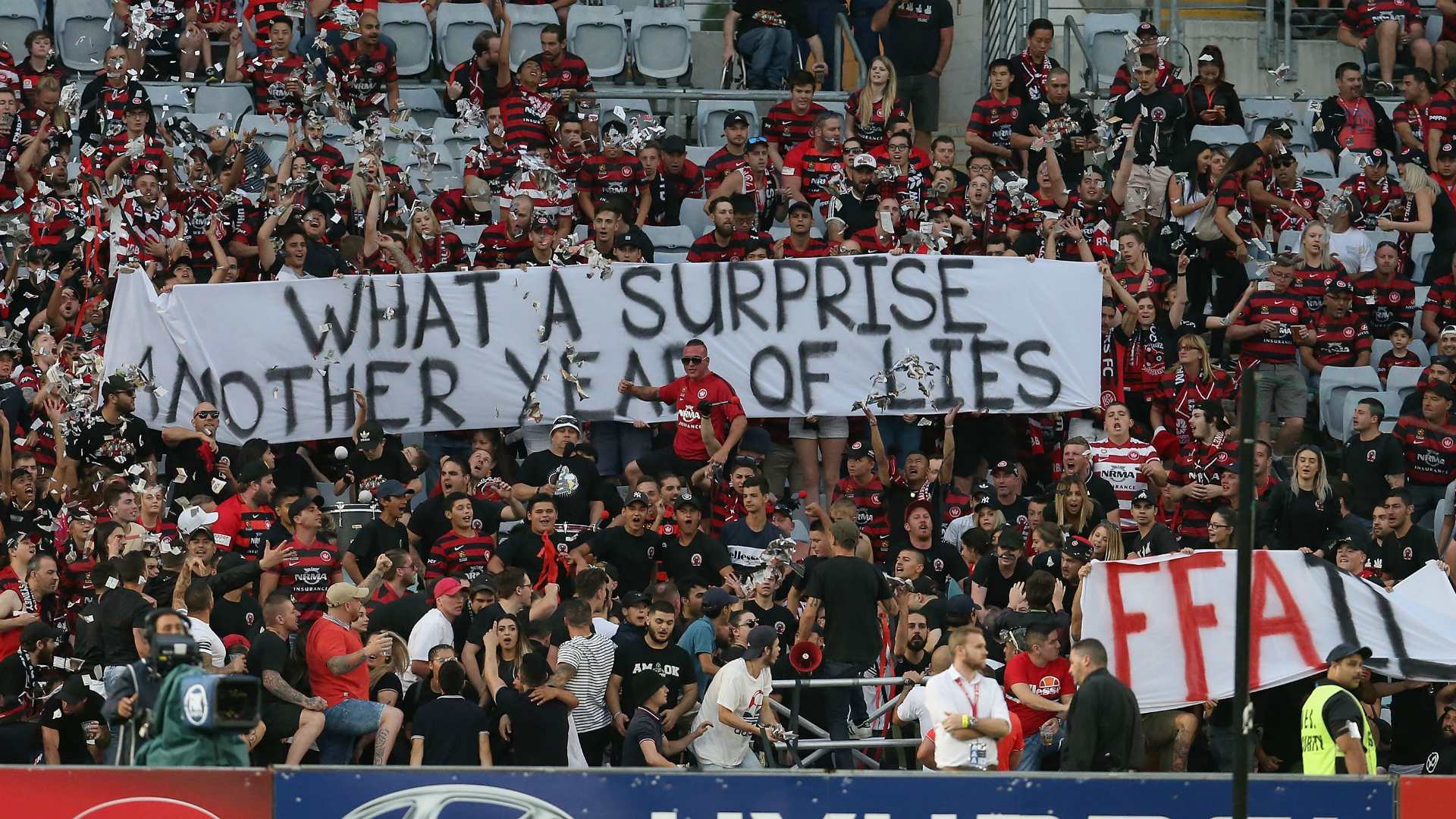 Western Sydney Wanderers v Melbourne Victory A-League 10122016