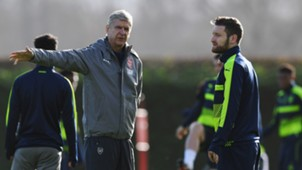 Arsene Wenger Shkodran Mustafi FC Arsenal