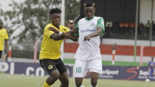 Gor Mahia midiflder Kenneth Muguna fight for the ball with Tusker's Hashim Sempala.