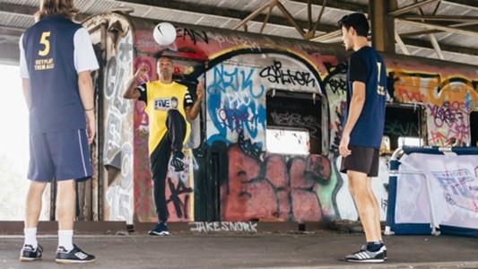Archie Thompson Neymar Jr's Five