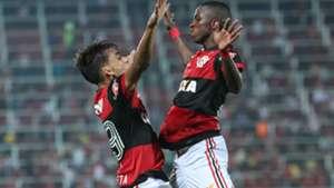 Lucas Paquetá Vinicius Junior Flamengo Atlético-GO Brasileirão 20 08 2017