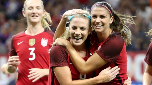 Julie Ertz Alex Morgan USA