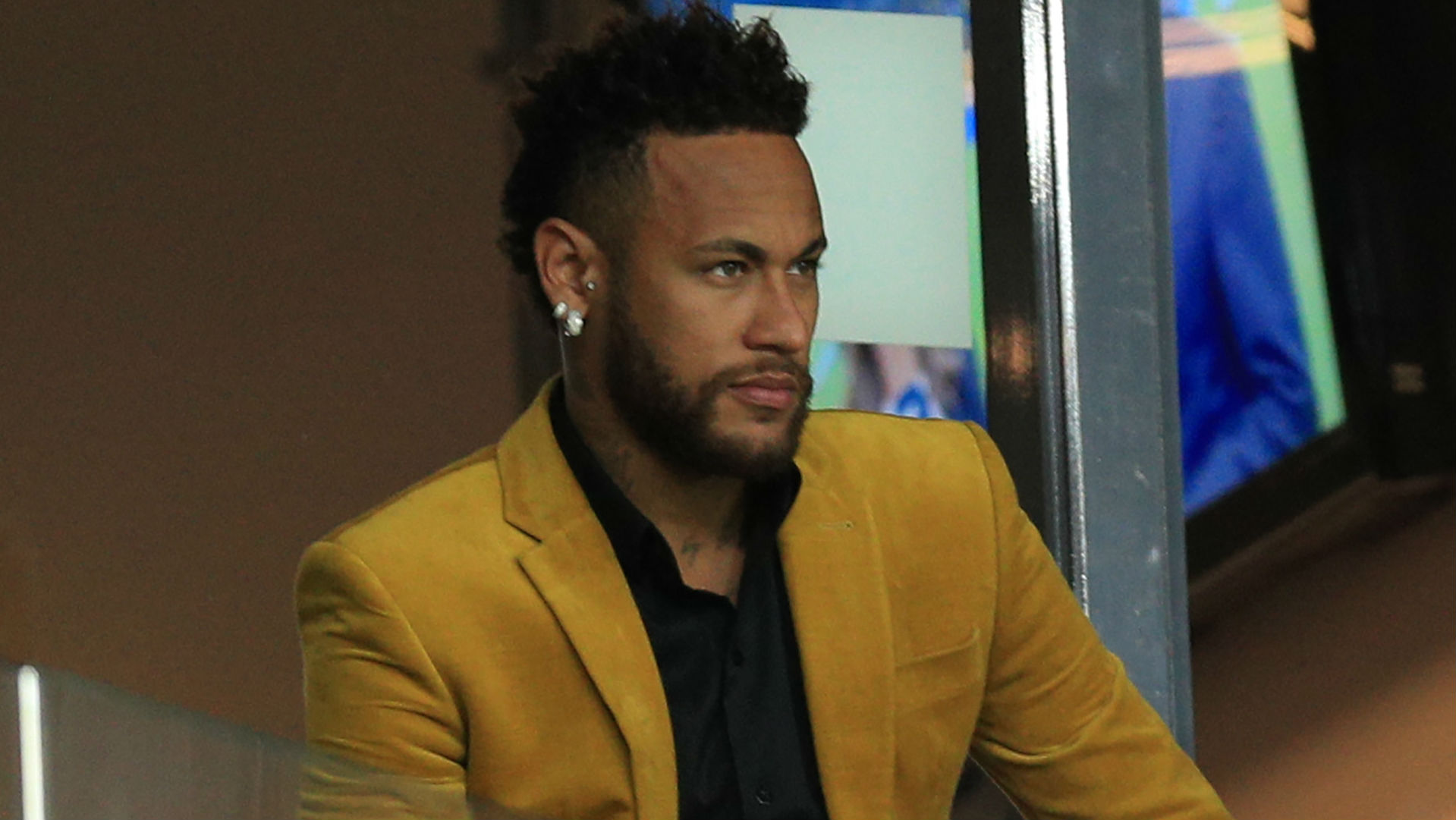 Paris Saint-Germain set a deadline for Neymar's future