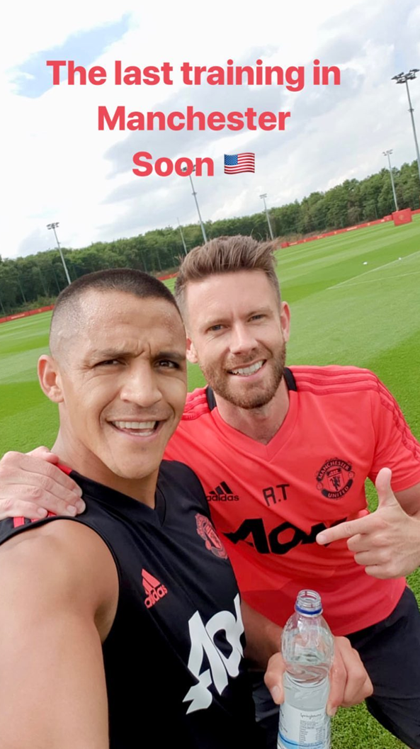 Alexis Sanchez Manchester United end to visa issue