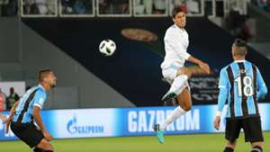 161217 Real Madrid Gremio Raphael Varane Michel Lucas Barrios