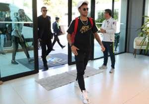 Alguns jogadores convocados pela Seleção Brasileira se apresentaram durante a manhã desta segunda-feira (21), na Granja Comary, em Teresópolis, região serrana do Rio de Janeiro.
