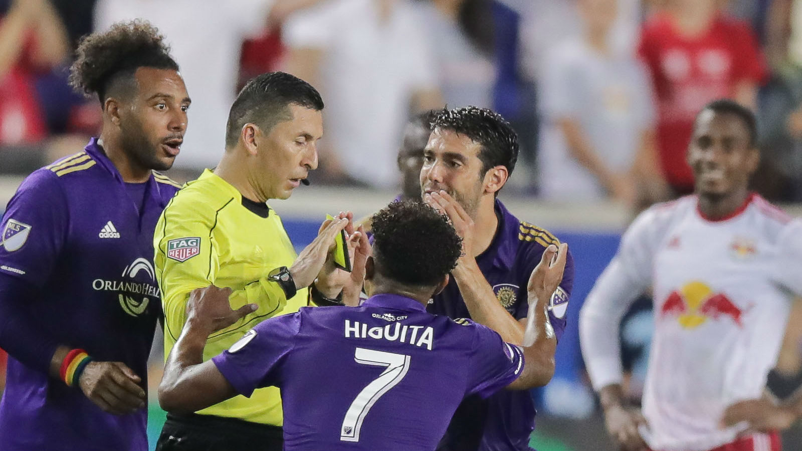 Kaka given the most ridiculous red card you will ever see