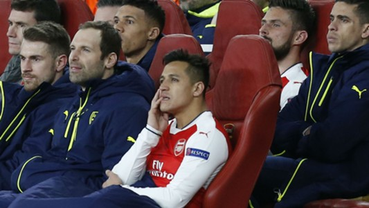 Alexis Sanchez Arsenal bench