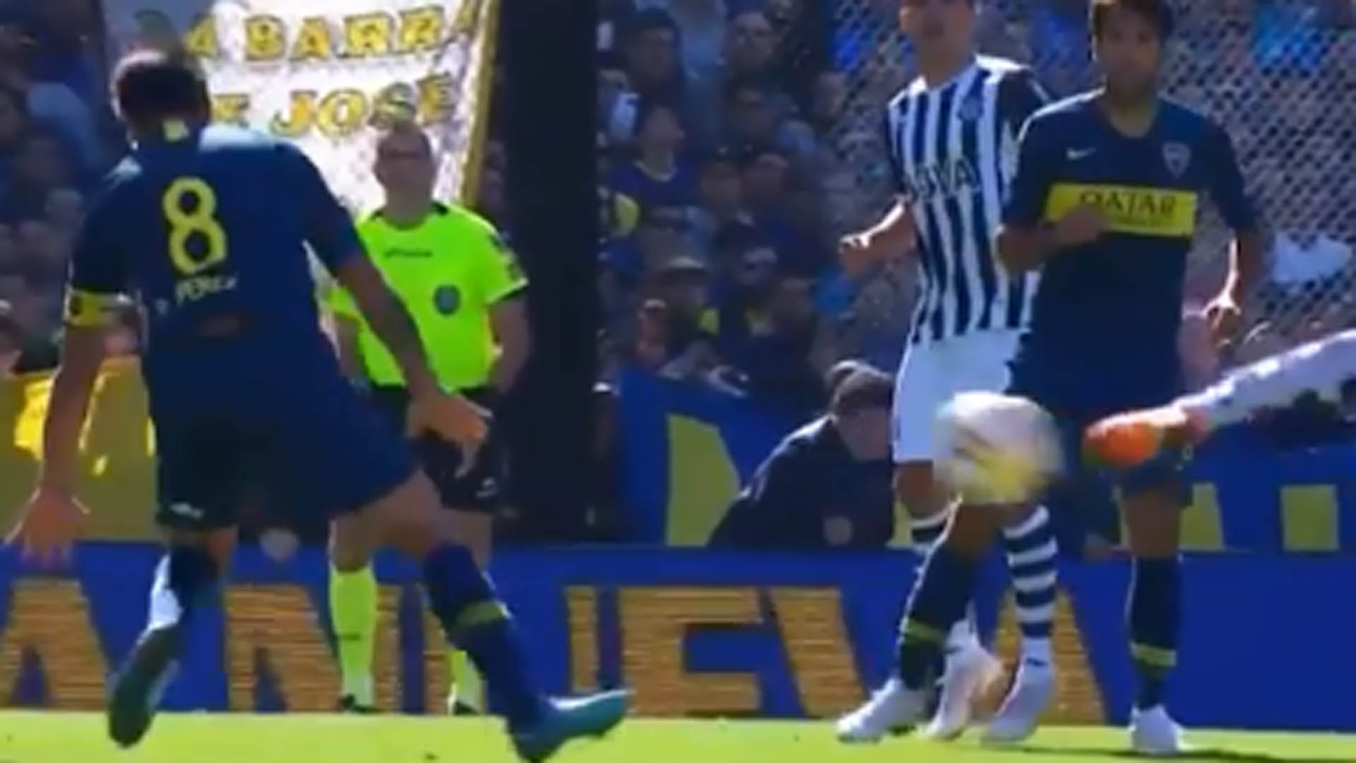 VIDEO: It was a hand! The criminal that was not charged to Talleres contra Boca