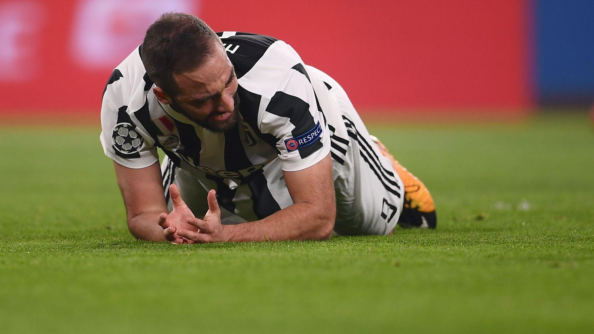 Juventus-Crotone: esordio per Howedes, riposa Higuain