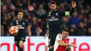 Sergio Ramos Dusan Tadic Real Madrid Ajax UEFA Champions League 13022019