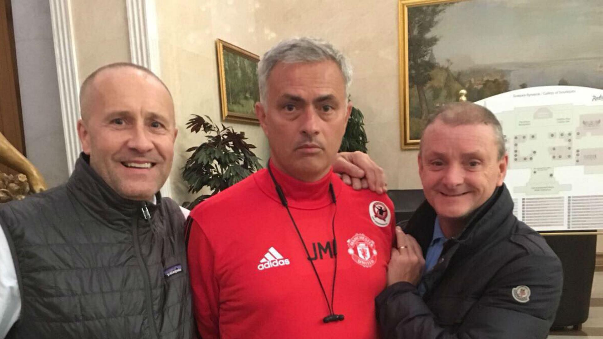Mono meets Jose Mourinho
