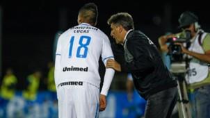 Lucas Barrios e Renato - Grêmio