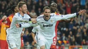 Sergio Ramos Higuain Real Madrid