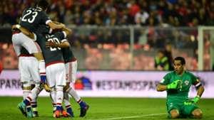 Claudio Bravo Miguel Almirón Gol Víctor Cáceres Chile Paraguay 310817