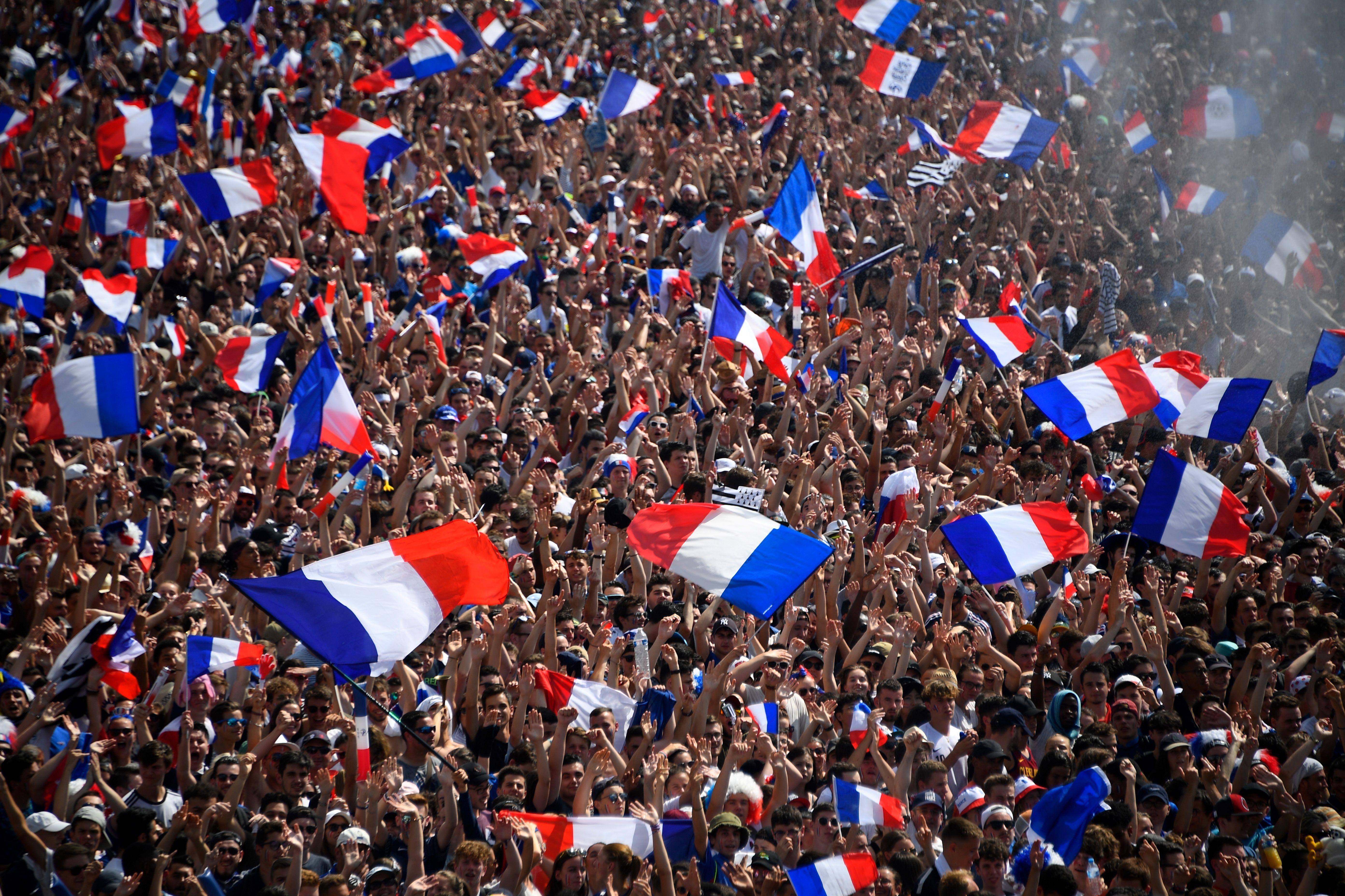 巴黎圣日耳曼主教练_法国国家队大名单公布 格里兹曼博格巴领衔 | Goal.com