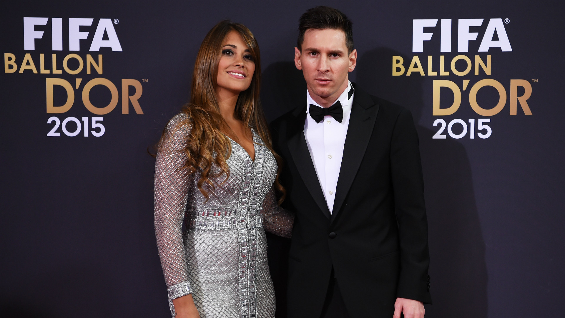 08052014e Messi's new contract is reportedly worth a net £500,000 (€565,000) a week.  It's difficult to compare exactly due to different tax rules and bonuses,  ...