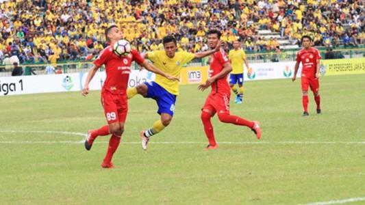 Cassio Francisco - Semen Padang & Gufroni almakruf - Persegres Gresik United